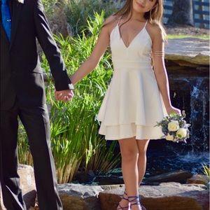 Dresses & Skirts - White short, formal dress